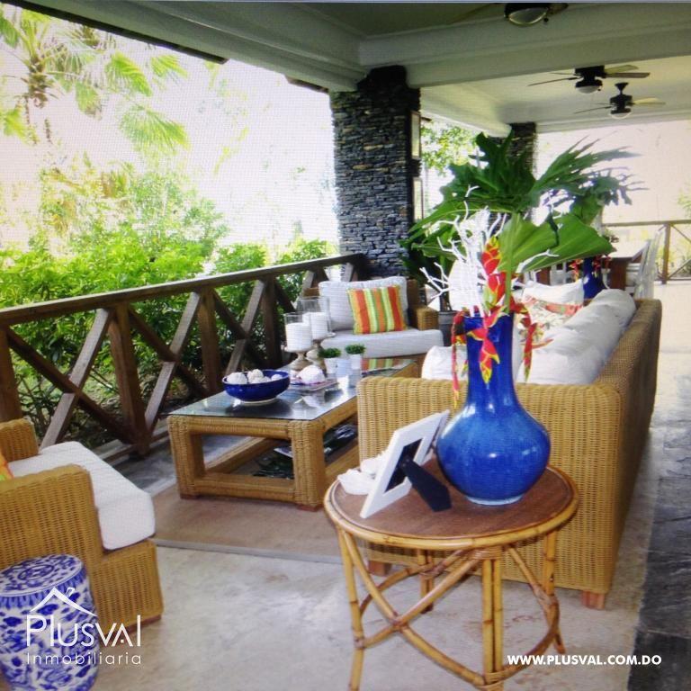 Amplio y luminoso apartamento, excelente ubicación en primera linea de playa con terraza y jacuzzi 176033