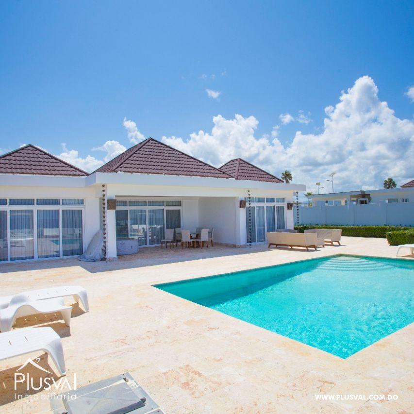 Majestuosa Villa en primera línea de playa. 181375