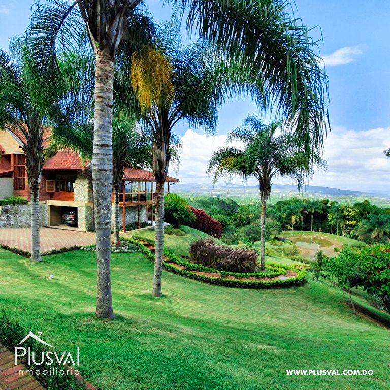 Villa en venta en Jarabacoa con amplios jardines 159862