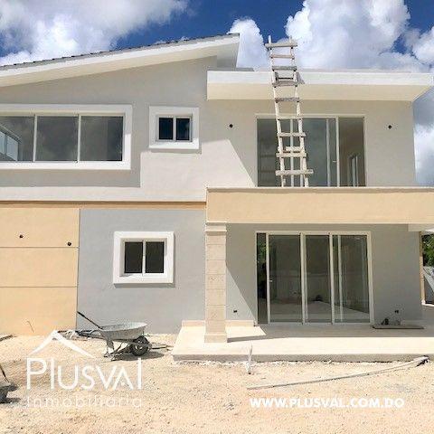 Casa en venta, en Puntacana Village de excelente distribución 157616