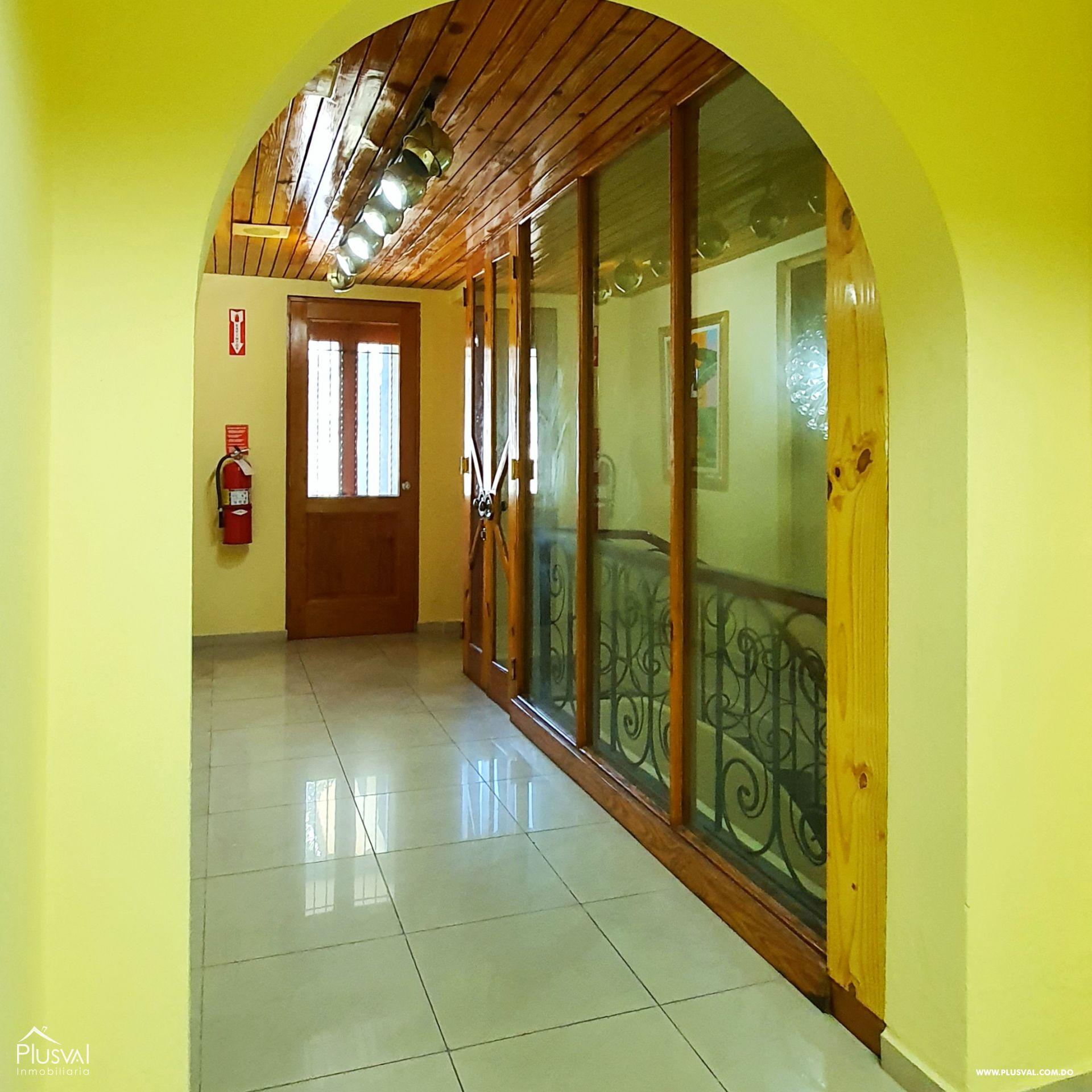 Alquiler edificio comercial 2 pisos en excelente zona Gazcue 165935