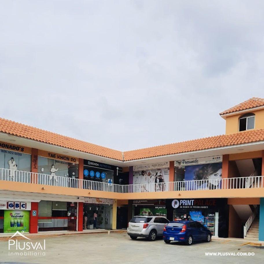Oportuno Local Comercial en Alquiler, Altos de Arroyo Hondo.