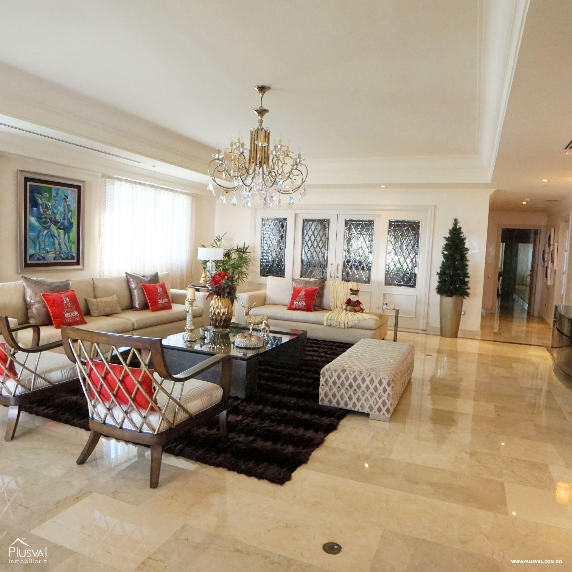 Elegante y Amplio Apartamento en Venta