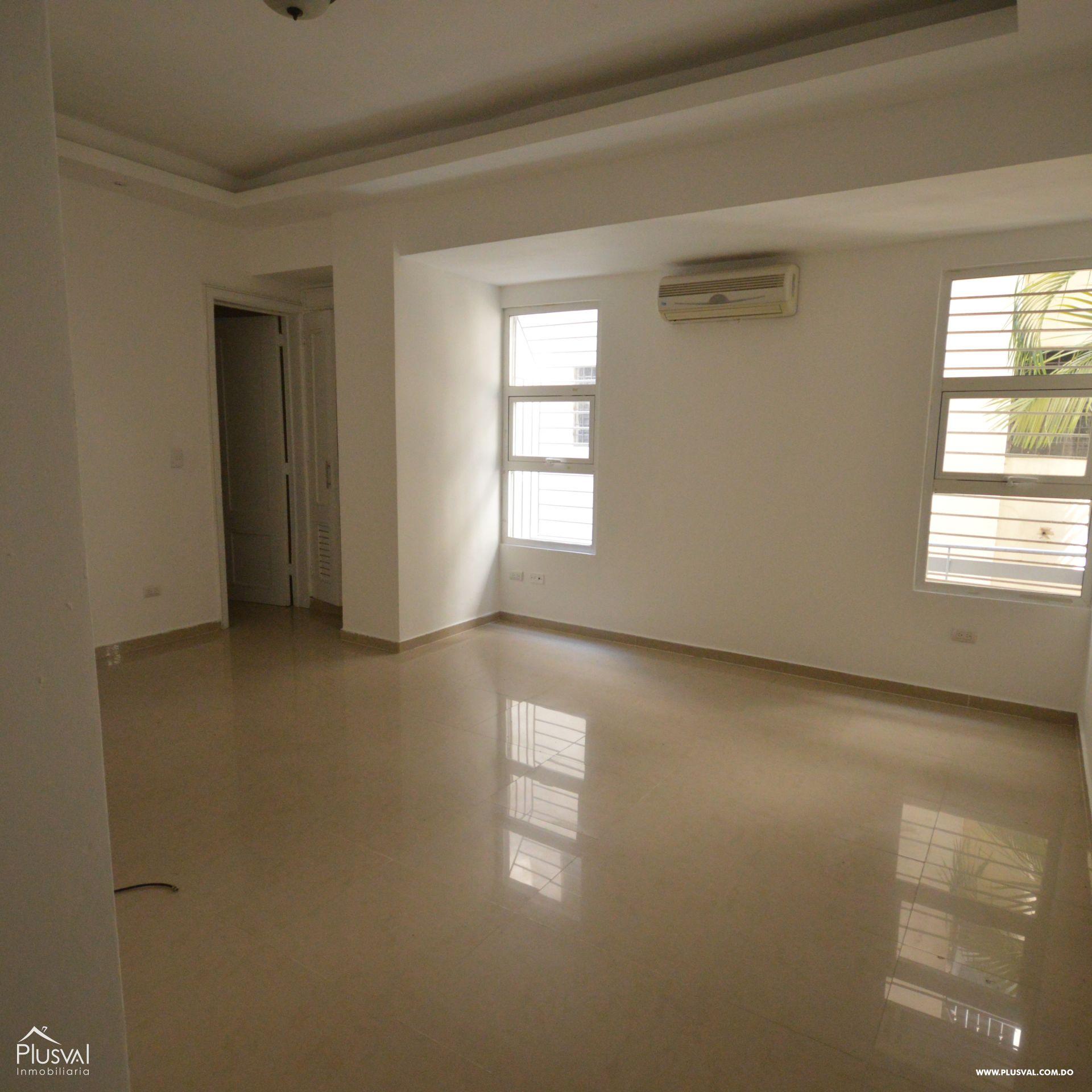 Amplio apartamento en alquiler, Evaristo Morales