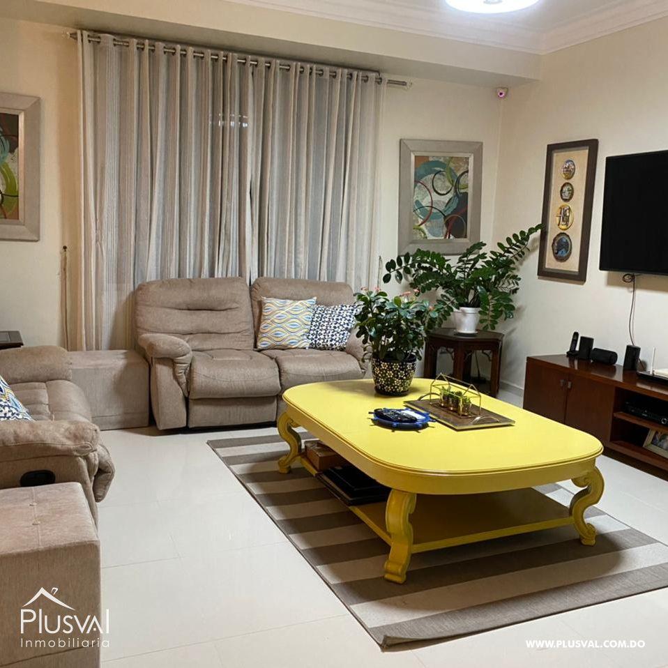 Amplio apartamento, en zona exclusiva de Santiago 172175