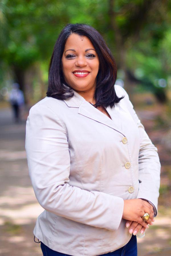 Esther Aquino
